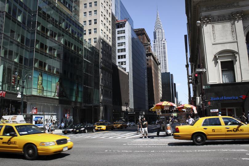 Ötödik sugárút (Fifth Avenue)