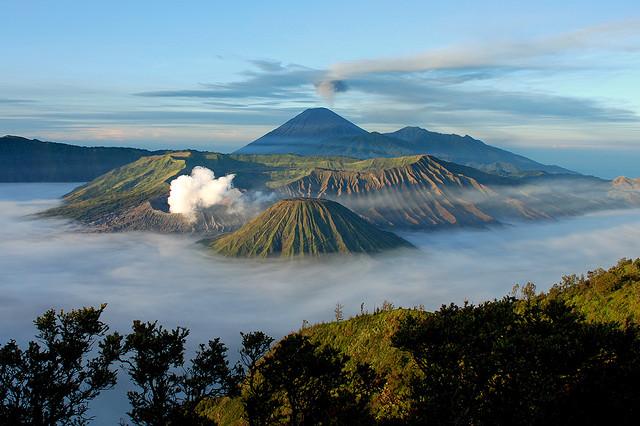 Bromo-hegy