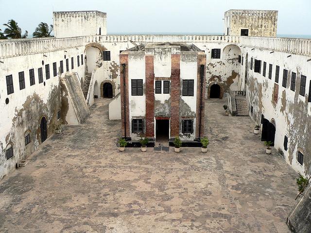 Elmina kastély