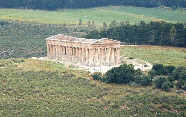 Segestai Dór templom