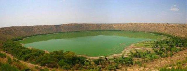Lonar kráter-tó